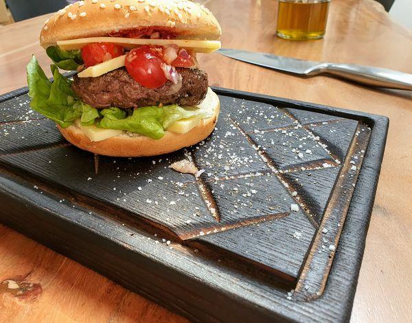 présentation burger de viande hachée